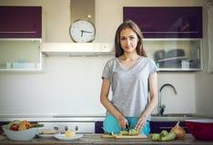 Na cozinha foto de stock