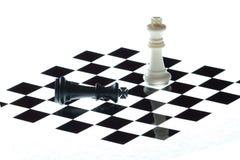 Na desce szachowi kawałki Fotografia Royalty Free