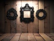 Na drewnianej ścianie retro rama Zdjęcia Royalty Free