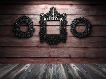 Na drewnianej ścianie retro rama Obraz Royalty Free