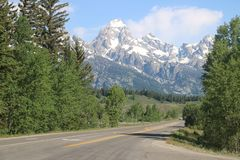 Na droga Głębokim widoku alps od Usa fotografia stock