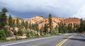 Na estrada à garganta de Bryce Fotos de Stock Royalty Free