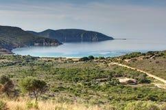 Na estrada entre Piana e a praia de Arone - Córsega França imagens de stock royalty free
