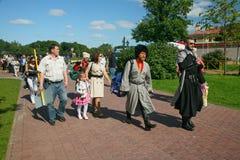Na fase são os cantores, atores, membros do coro, do corpo de coro e de solistas do conjunto do cossaco Foto de Stock Royalty Free