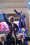 Na fase são os dançarinos e os cantores, os atores, os membros do coro, os dançarinos do corpo de bailado e os solistas do conjun Fotos de Stock