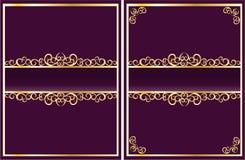 Na fiołkowym tle ozdobna złota rama Obraz Stock