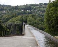 Na górze канала на aquaduct pontcysllte в Уэльсе Стоковое Изображение RF