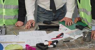 Na głuchym tam są projekty dla budowy i tam jest także highlighter, transceivers, ołówki i zdjęcie wideo