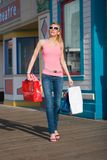 Na het winkelen wandeling Stock Foto's