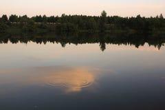 Na jeziorze lato Wieczór Obrazy Royalty Free