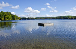 Na Jeziorze spławowa Platforma -1 Obraz Royalty Free