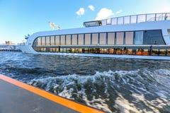 Na kanale w Amsterdam Obraz Stock