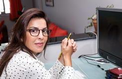 Na Komputerze kobiety Działanie Zdjęcie Royalty Free