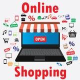 Na kreskowym sklepie Sprzedaż, laptop z markizą Obraz Royalty Free