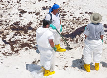 na ląd plażowi nafciani Pensacola obmycia obraz stock