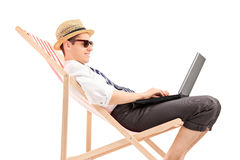 Na laptopie biznesmena przypadkowy działanie Obrazy Royalty Free