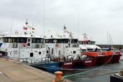 Na morzu naczynie przy Helgoland schronieniem Obrazy Stock