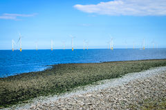 Na morzu silnik wiatrowy w Windfarm w budowie Obraz Stock