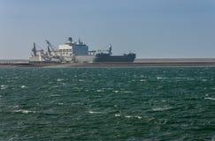Na morzu statek Pieter Schelte w Alexiahaven Zdjęcie Stock