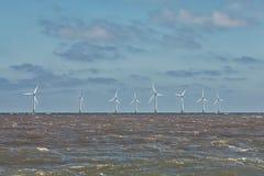 Na morzu wiatrowego gospodarstwa rolnego turbina Czysta energia i podtrzymywalny resour Zdjęcie Stock