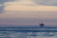 na morzu wieża wiertnicza Zdjęcie Royalty Free