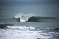 Na morzu zima doskonałe fale zdjęcie royalty free