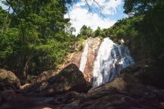 Na Muang瀑布,酸值苏梅岛海岛,泰国 图库摄影