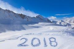 2018 na śniegu przy górami Zdjęcia Royalty Free