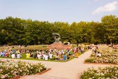 Na otwartym powietrzu klasyczny pianino koncert w Królewskim Å  azienki parku, Warszawa Zdjęcia Stock