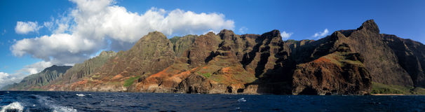 Na Pali Coast, Kauai, Hawaii. View from a boat towards the famous Na Pali Coast on the northern coast of Kauai, Hawaii, USA Stock Photo