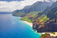 Na Pali som kostas på Kauai Arkivfoton