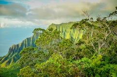 Na-paliklippor, Kauai, hawaianska öar Arkivbild