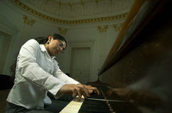 na pianinie 2 nauczyciela klawiaturowy punkt widzenia Zdjęcia Stock