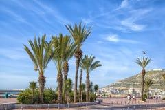 Na plażowym deptaku afrykański schronienia miasto Agadir Zdjęcie Royalty Free