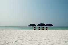 na plaży 4 parasolki Fotografia Stock