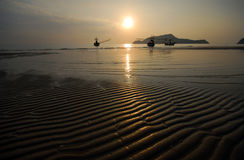 Na plaży falowy piasek. Obraz Stock