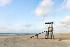 Na plaży ratownika wierza Zdjęcia Royalty Free