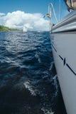 Na pokładzie jacht inside macha jezioro zdjęcia stock