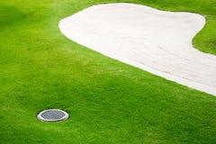 Na polu golfowym piasków bunkiery zdjęcia royalty free