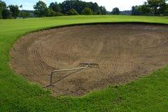 Na polu golfowym piaska bunkier Zdjęcie Royalty Free