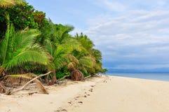 Na praia da ilha da recompensa em Fiji Fotos de Stock Royalty Free