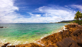 Na praia tropical imagens de stock royalty free