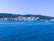 Na rejsie Skiathos wyspa fotografia royalty free