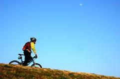 na rowerze w dół Obraz Royalty Free