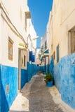 Na rua Kasbah do Udayas em Rabat, Marrocos Imagens de Stock