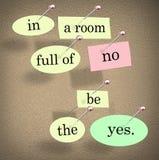 Na sala completamente do nenhum seja o Yes que diz palavras das citações ilustração stock