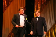 Na scena piosenkarza Edward wzgórzu (Mr Trololo i artysta Nikolay Y) artysty estradowego - wybitny i popularny Pozdeev Obrazy Stock