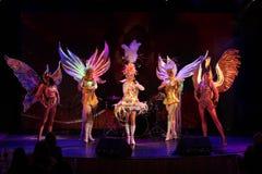 Na scenie w spektakularnym przedstawieniu Najważniejszym muzykalny theatre Obraz Royalty Free