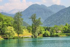 Na Soci, Slowenien des Sees höchstens Lizenzfreie Stockfotografie