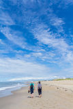 na spacer na plaży obraz stock